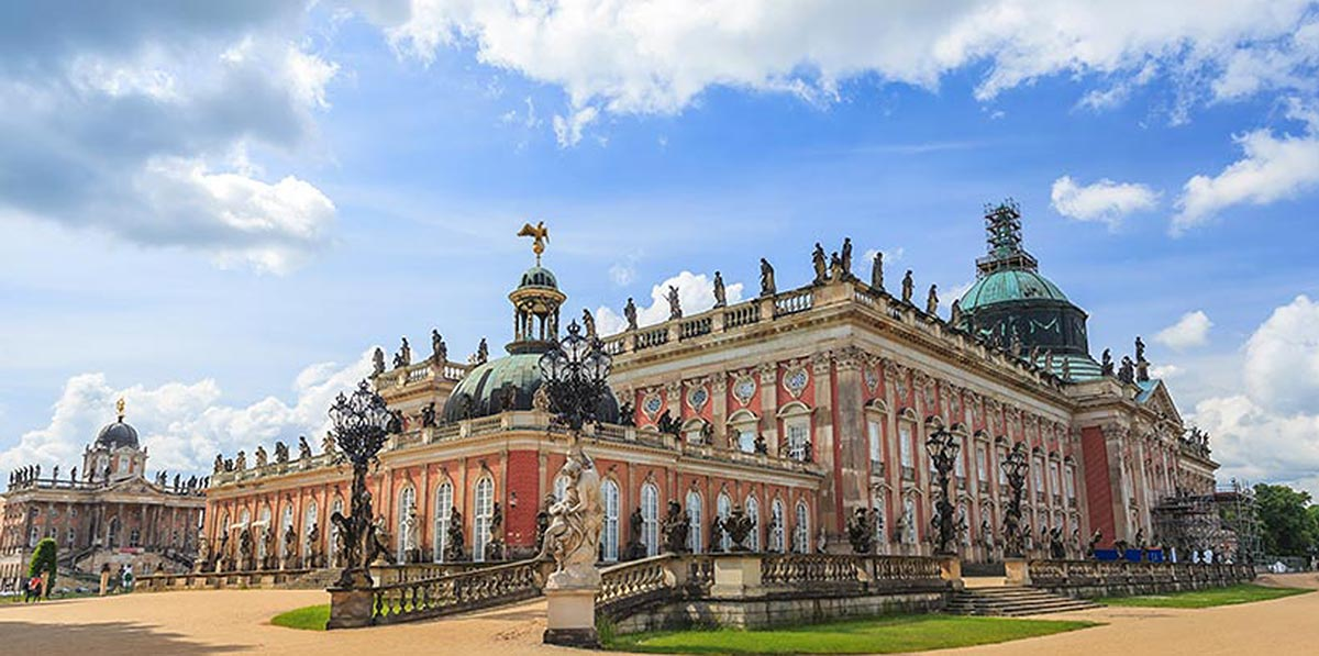 Stadtpalais am Volkspark