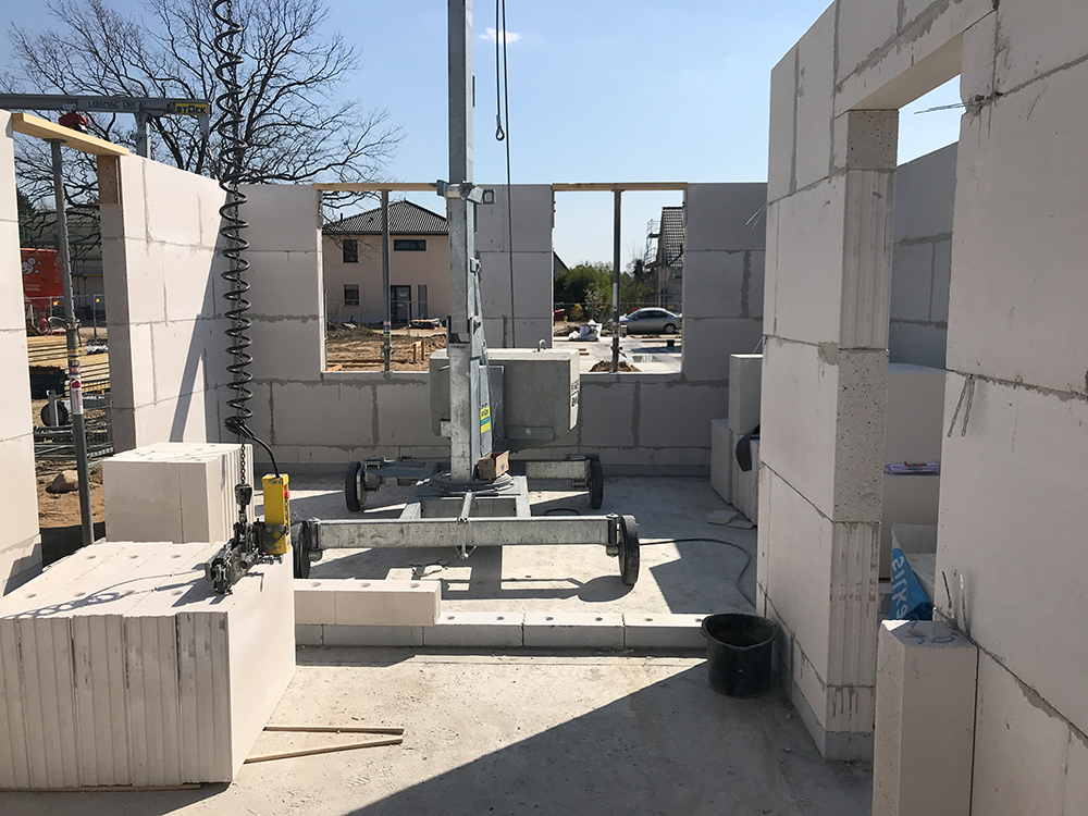 Haus 1 Rohbau Erdgeschoss noch vor Ostern fertig | 18.04.2019
