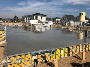 Grundplatte des ersten Wohnhauses ist fertig | 05.04.2019